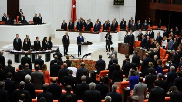Turkish parliament extends mandate for troops in Iraq