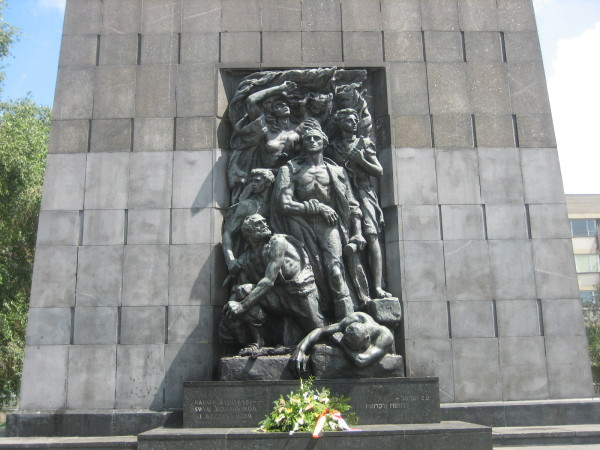 Monument to Warsaw Ghetto uprising (Sheldon Kirshner photo)